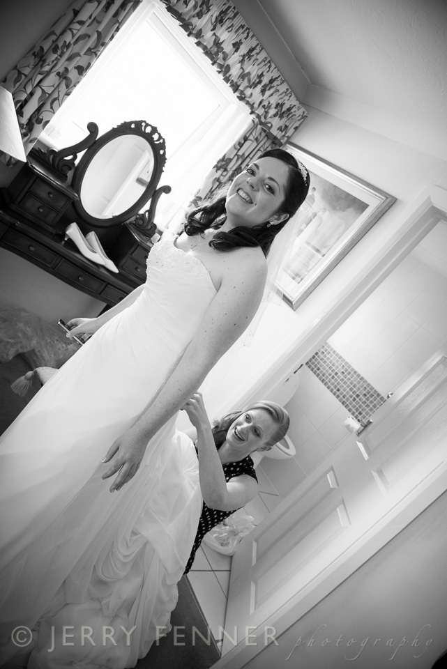 Final touches for the beautiful wedding dress