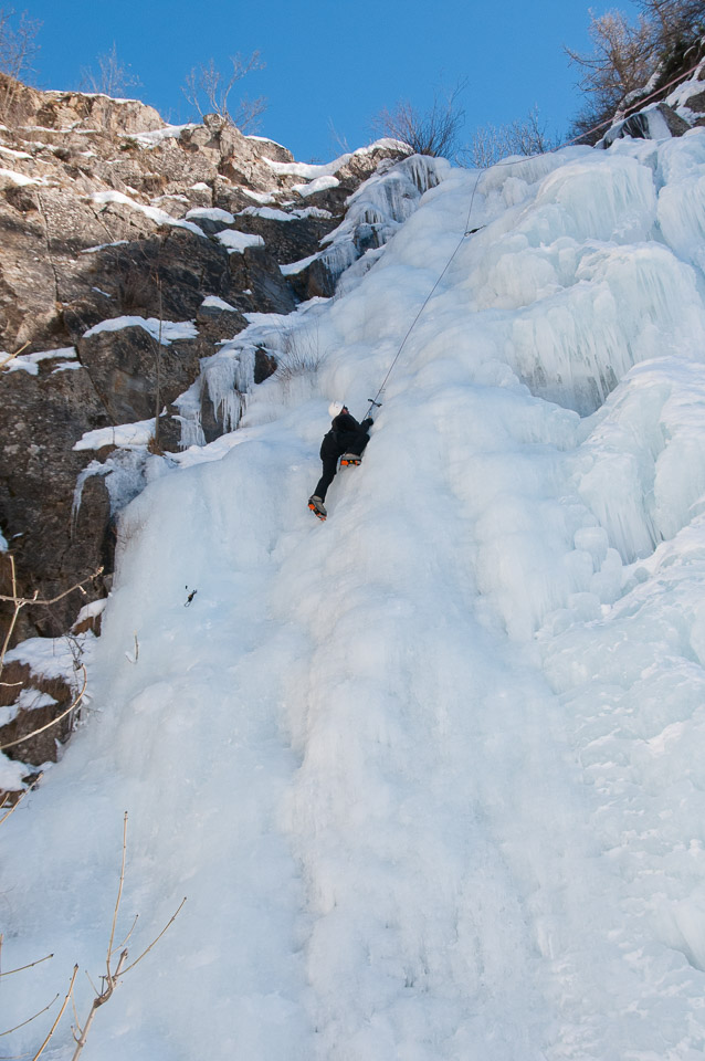 Ice climbing with Undiscovered Alps