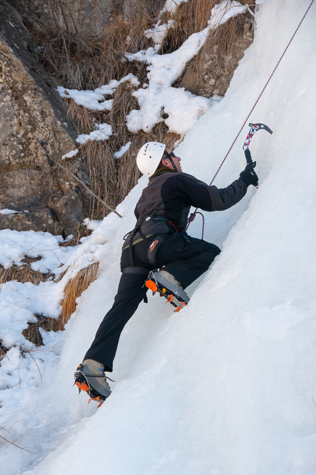 Scared of heights photographer ice climbing with Undiscovered Alps